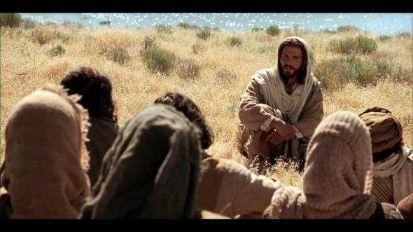 Jesus_PreachByTheLake