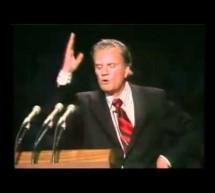 Billy Graham: Chúa Giê-xu Là Ai?